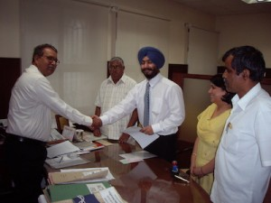 KSOU VC Prof B A Viveka Rai & RSA at the MOU Signing Ceremony - 16th July 2009